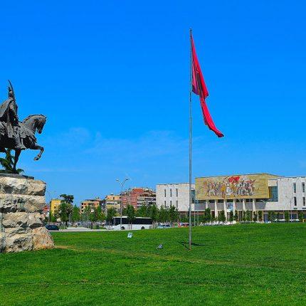 scanderbeg square tirana